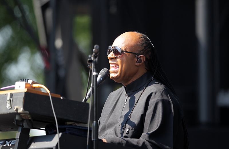"""Stevie Wonder Plays Free Pop Up Show in D.C to Promote """"Songs in the Key of Life"""" Tour"""