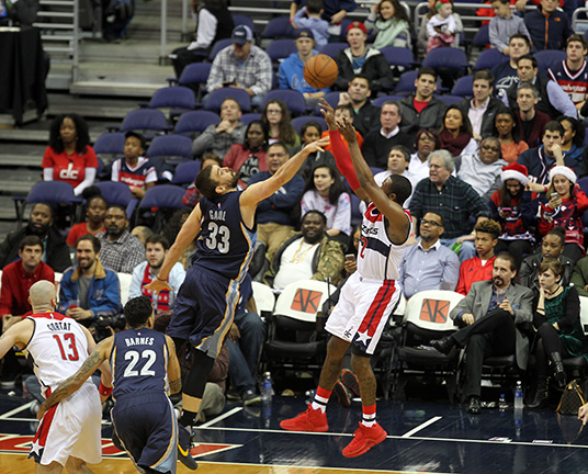 Wizards Capture Third Straight Victory, Defeat Memphis, 100-91