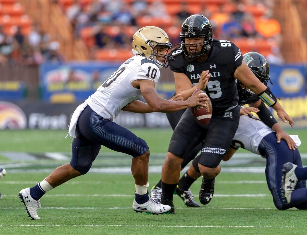 Navy Starts 2018 Campaign With Road Loss to Hawaii, 59-41